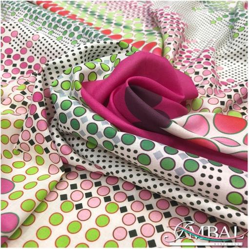 Вискоза полупрозрачная принт в стиле Prada купон с геометрическим орнаментом