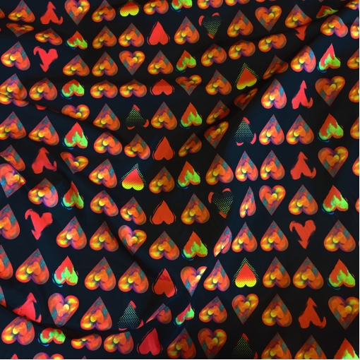 Ткань плащевая Moschino сердечки на черном
