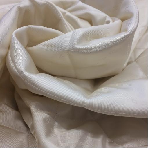 Подкладка стеганная ванильного цвета