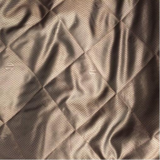 Подкладка стеганная жаккардовая шоколадного цвета