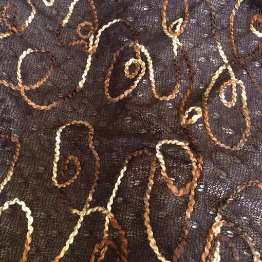 Паутинка трикотажная с шерстью с вышивкой цвета шоколада