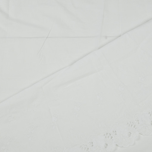 Белый батист с вышивкой ришелье по краям полотна