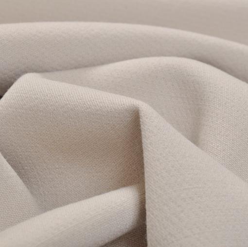 Костюмно-плательный поливискозный креп серо-белого цвета