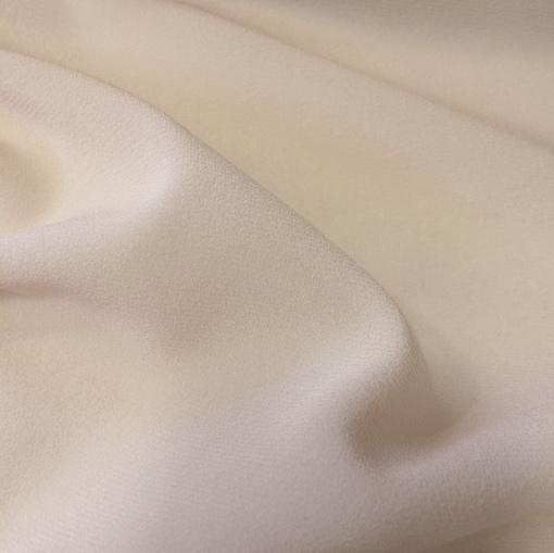 Шелк креповый шифон стрейч ванильного цвета