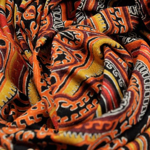 Вискозный трикотаж Etro в красно-оранжевых тонах скользкий