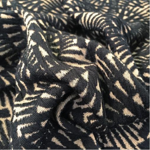 Джерси жаккардовое стрейч Gucci черно-песочный геометрический орнамент