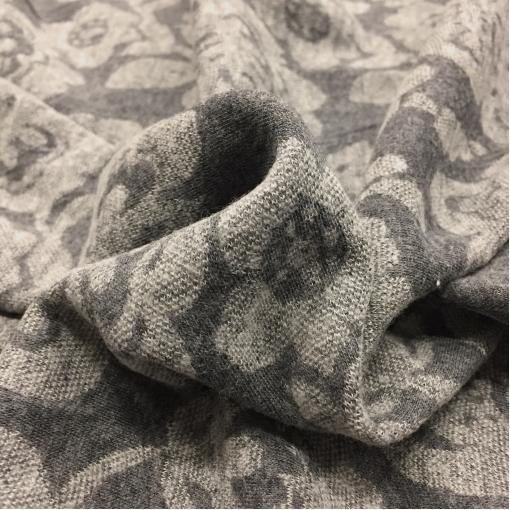 Джерси вискозное двойное средне-серого цвета с узором