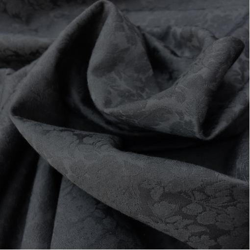 Жаккард нарядный стрейч черного цвета с цветочным рисунком