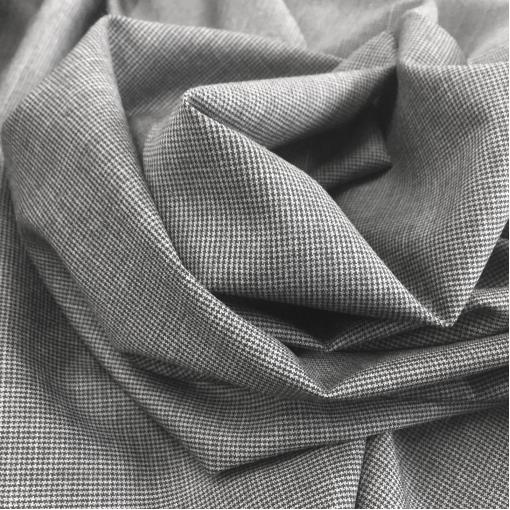 Ткань костюмная шерстяная тонкая мелкий пье-де-пуль серого цвета