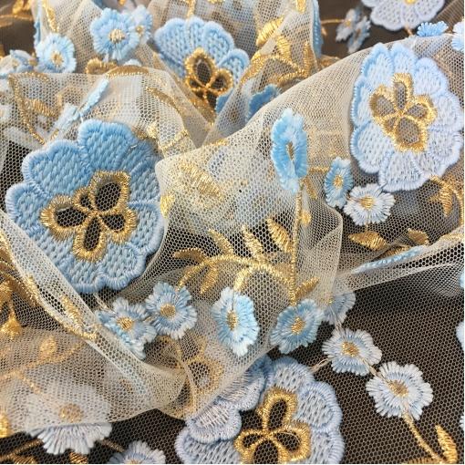 Сетка нарядная Blumarine с вышитыми голубыми цветочками