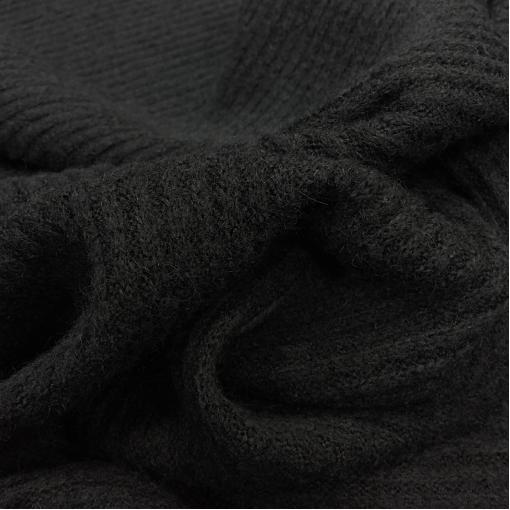 Трикотаж лапша смесовый теплый черного цвета