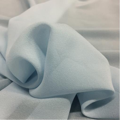 Шелк креповый стрейч небесно-голубого цвета