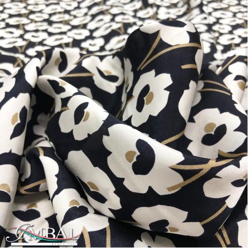 Вискоза мягкая плательная принт Prada графичные цветы на черном