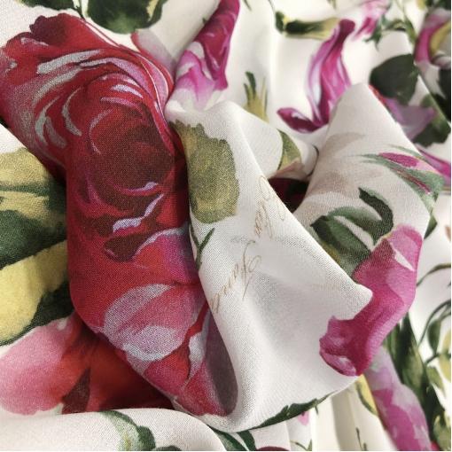 Вискоза тонкая принт Elisa Fanti розы на белом фоне