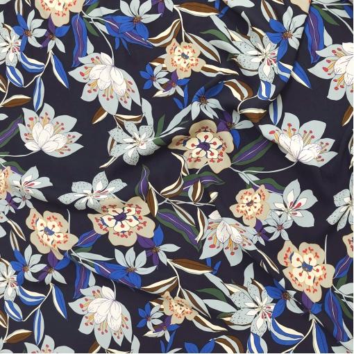 Вискоза креповая плательная принт Blumarine цветочная поляна на темно-синем фоне