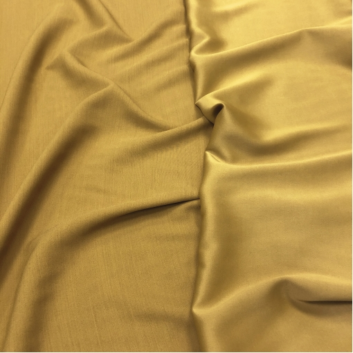 Кади вискозное плательное матовое / атласное цвета чеддер с горчицей