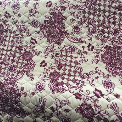 Ткань курточная стеганная двухсторонняя принт Versace цветы и вензеля на бежевом фоне