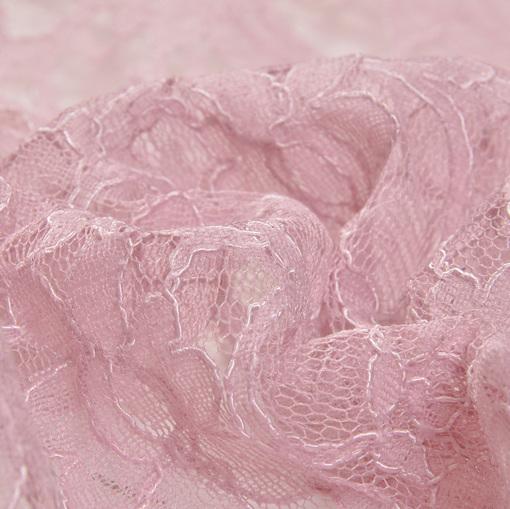 Грязно-розовое кружево