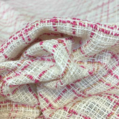 Шанель нарядная летняя молочного цвета с малиновыми нитями