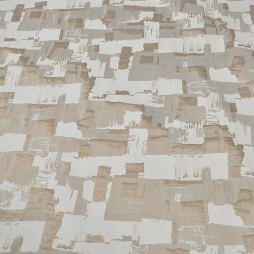 Жаккард нарядный в бежевых тонах с геометрией