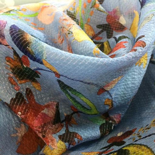 Шелк шифон креш жаккардовый цветы на голубом фоне