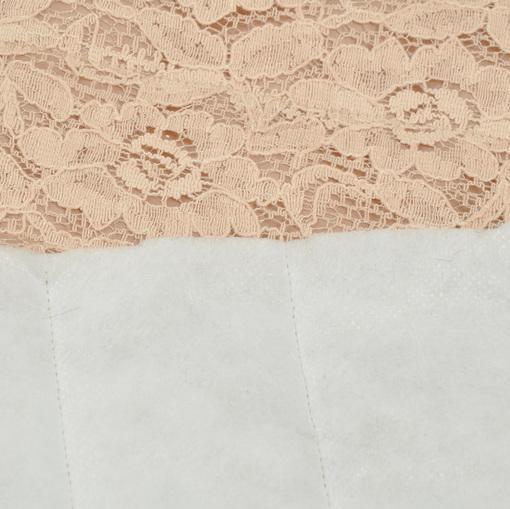 Курточная стеганная ткань с кружевом грязно-розового цвета