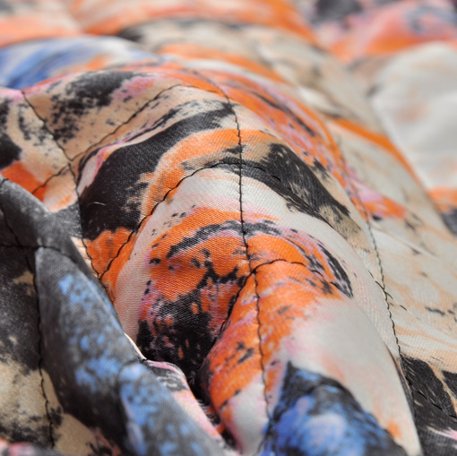 Курточная стеганная ткань, верх шелк с цветочным рисунком