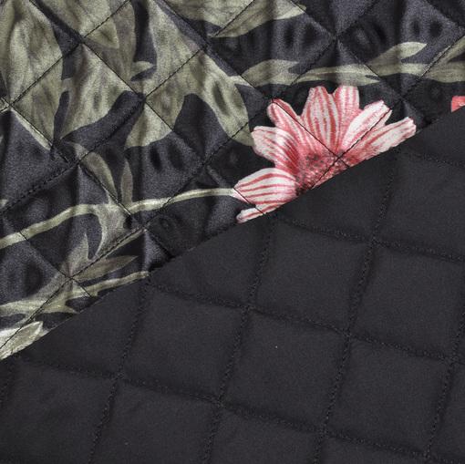 Стеганная мягкая курточная ткань черного цвета с рисунком из букетов и ремешков