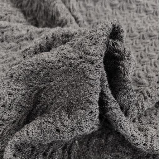 Трикотаж шерстяной ажурный стрейч средне-серого меланжевого цвета