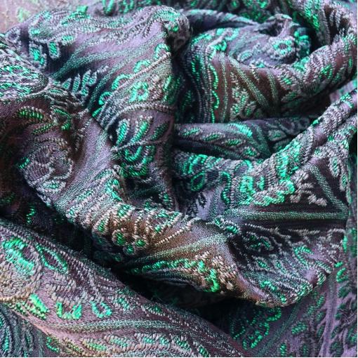 Жаккард нарядный Antonio Marras зеленые огурцы на черном фоне