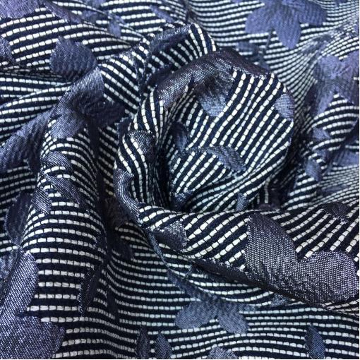 Жаккард нарядный двухсторонний черно-белый с сизыми цветами