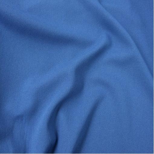 Ткань костюмно-плательная стрейч фиалково-голубого цвета