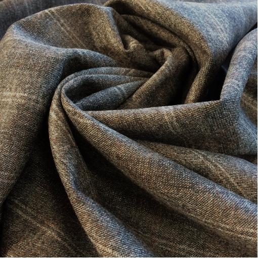 Ткань костюмная шерстяная в серо-коричневую деликатную полоску