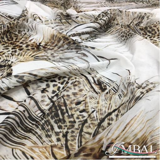 Муслин вискоза с шелком дизайн Just Cavalli перья на молочном фоне