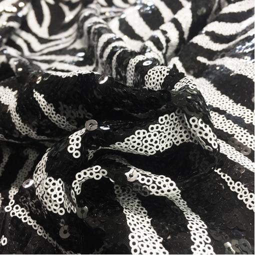 Пайетки на сетке D&G зебра в черно-белых тонах