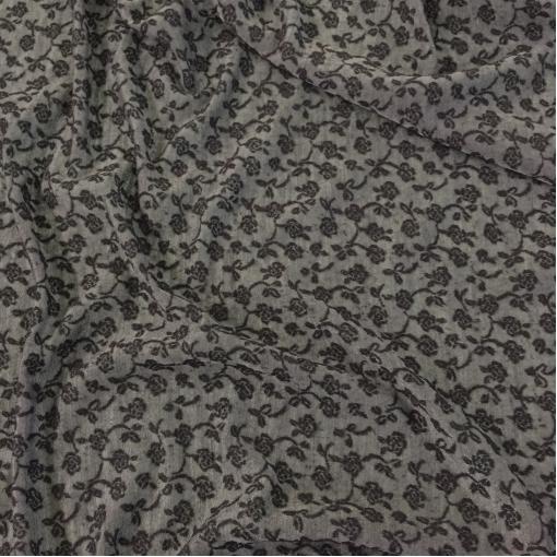 Марлевка шерстяная с вышитыми цветами серого цвета