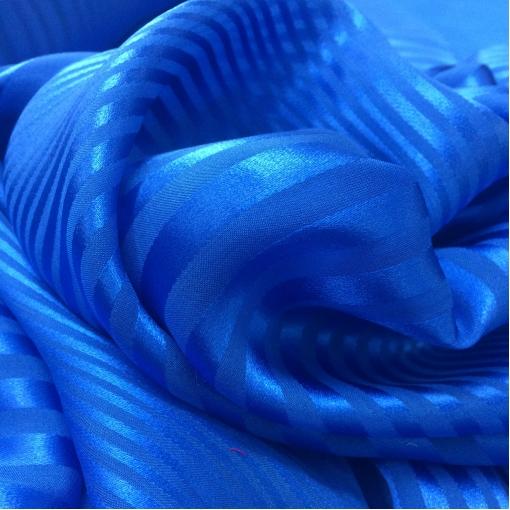 Шелк деворе в полоску яркого синего цвета