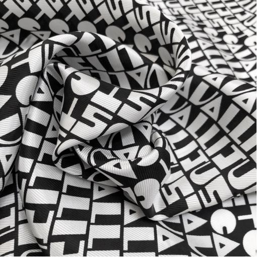 Вискоза жаккардовая принт Cavalli логотипы на черном фоне