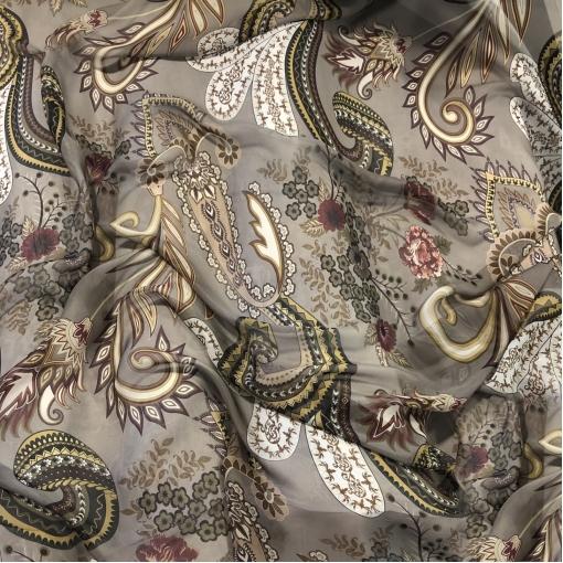 Муслин вискоза с шелком принт ETRO вензеля и цветы на теплом сером фоне