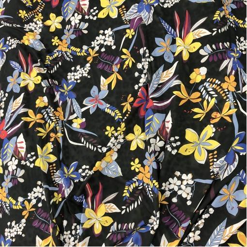 Муслин шелк с вискозой яркие цветы на черном фоне