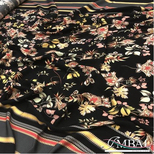 Вискоза плательная продольный двухсторонний купон цветы на черном фоне