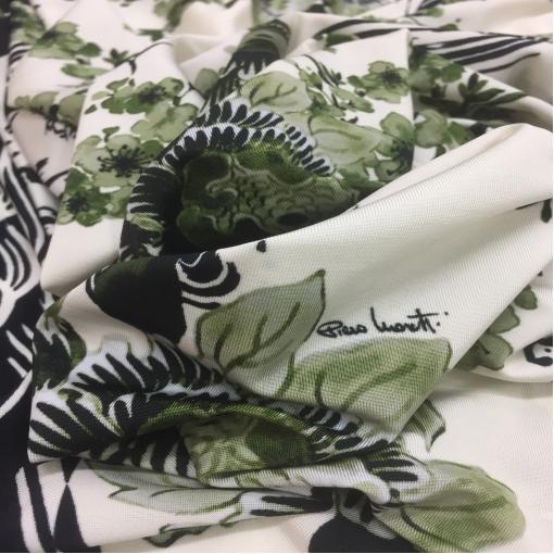 Трикотаж вискозный скользкий принт Piero Moretti с зелеными цветами