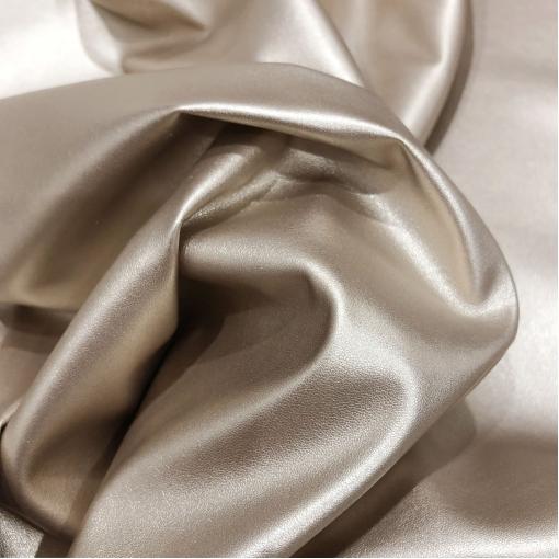 Кожа искусственная стрейч La Perla матовая нежно-золотистого цвета