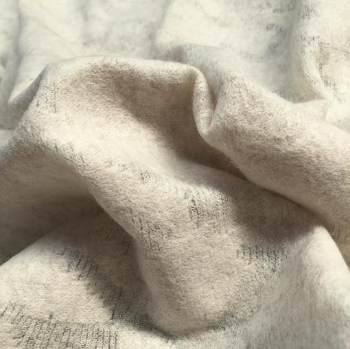 Трикотаж теплый пье-де-пуль деворе ванильного цвета