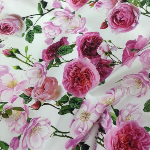 Костюмно-плательный хлопок стрейч с красно-розовыми цветами