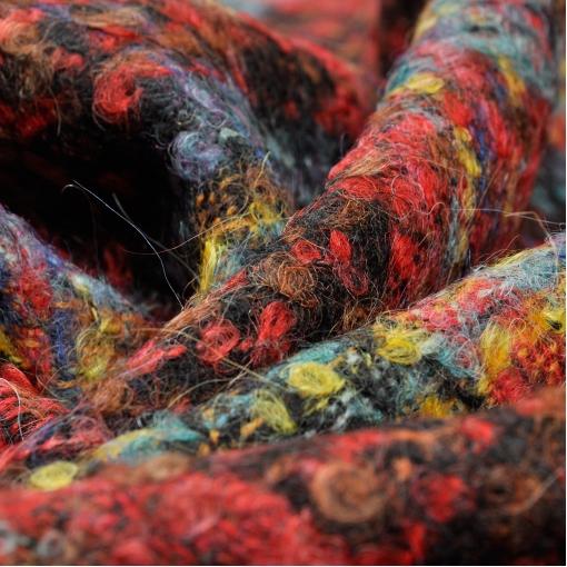 Костюмно-пальтовое букле в красно-желто-голубую клетку