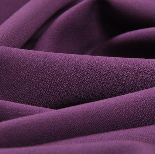 Костюмная шерстяная ткань темно-сиреневая крепового плетения