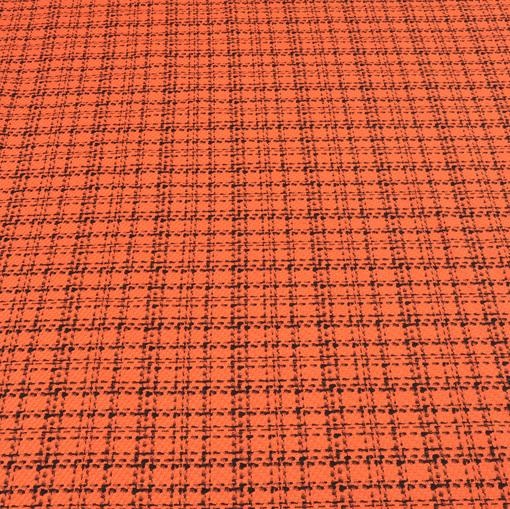 Костюмная шанель оранжевого цвета в черную клетку