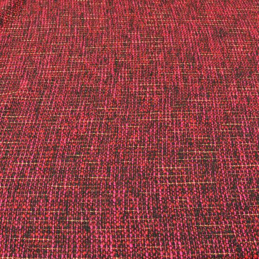 Костюмная шанель красного цвета с бахромой по краям