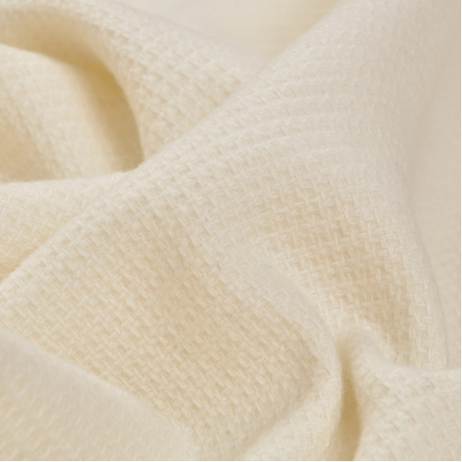 Костюмная ткань молочного цвета вафли